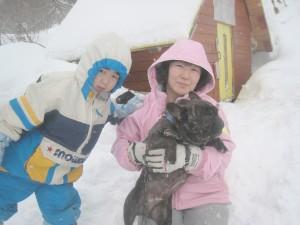 ぶん太君は寒いのが苦手。早くおうちに入りたいよ~。2011.1.23