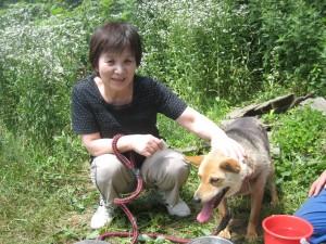 本日はナナ(雑種)のお母さんがやってきました。ナナは本当に甘えん坊さんなのです。2011.7.24