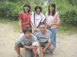 家族全員集合!忠犬ちゃぱ(柴犬)に会いに来てくれました。ちゃぱ良かったネ。2011.8.1